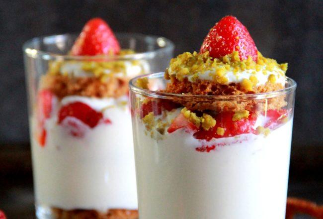 verrine-pain-epice-yaourt-grec-fraise-pistache