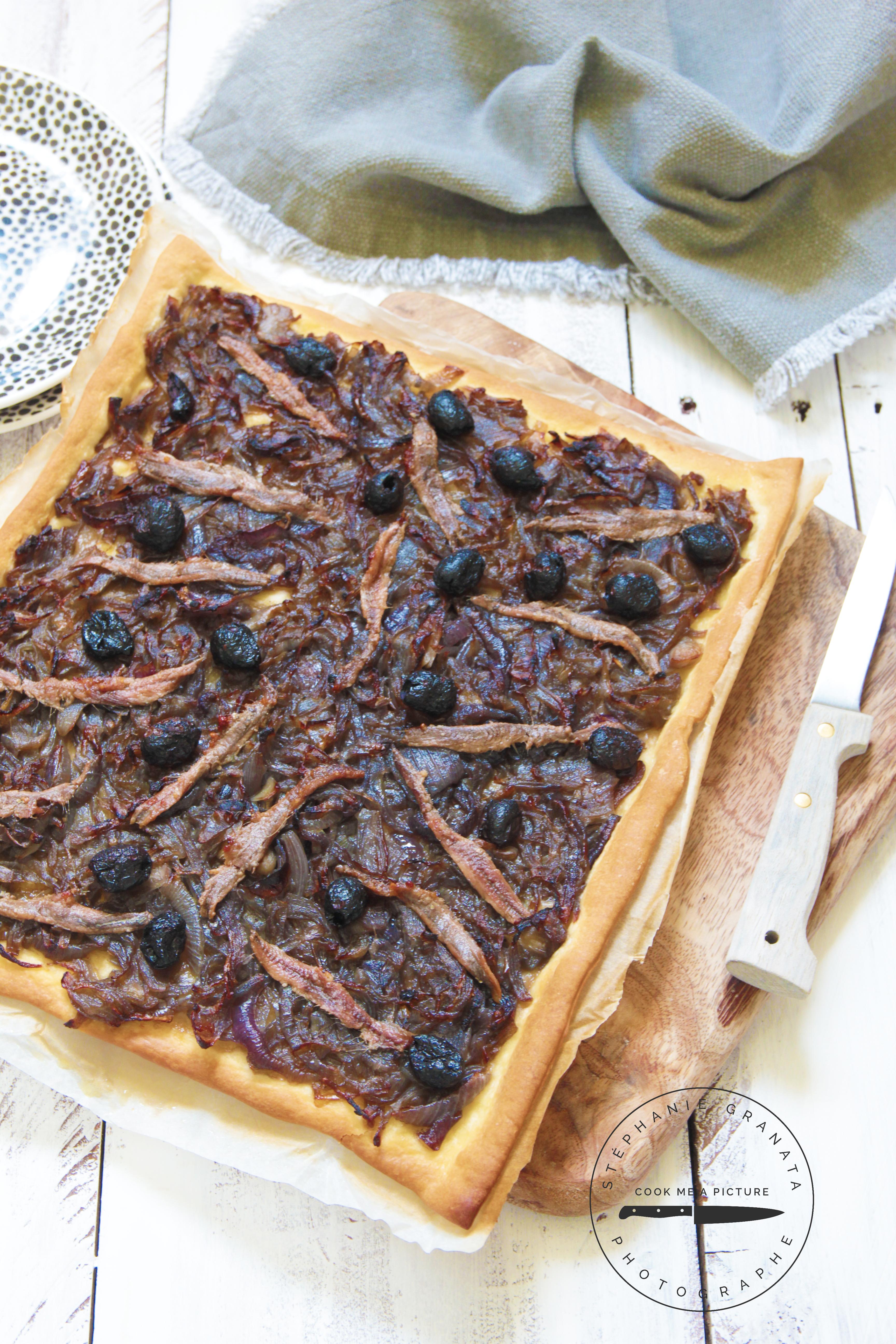 Pissaladière, anchois, oignon photo et recette l'atelier de Steph et Lolie